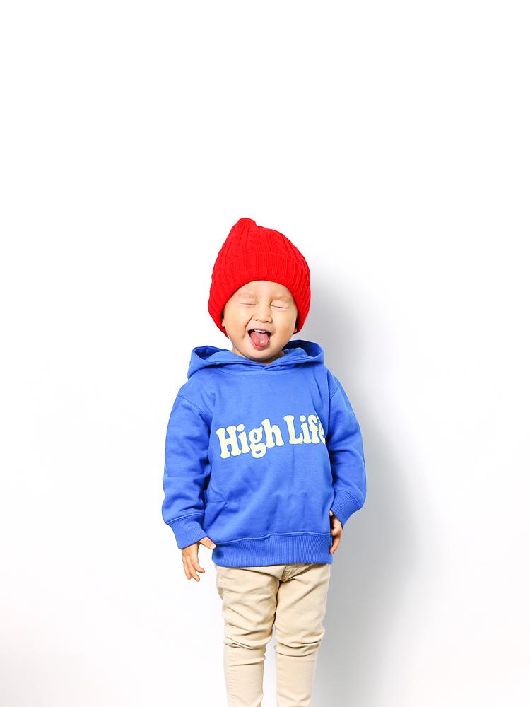 033-blue-model1