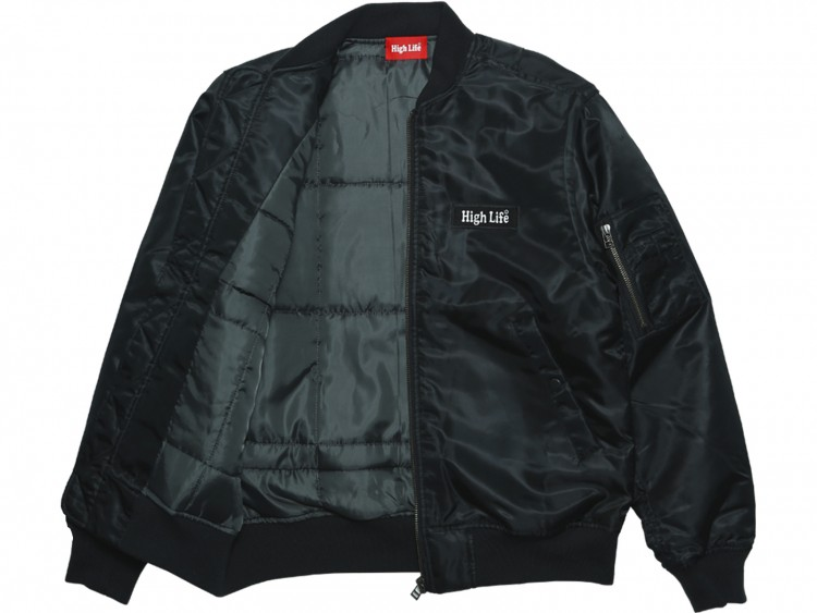 025-Black-Front02